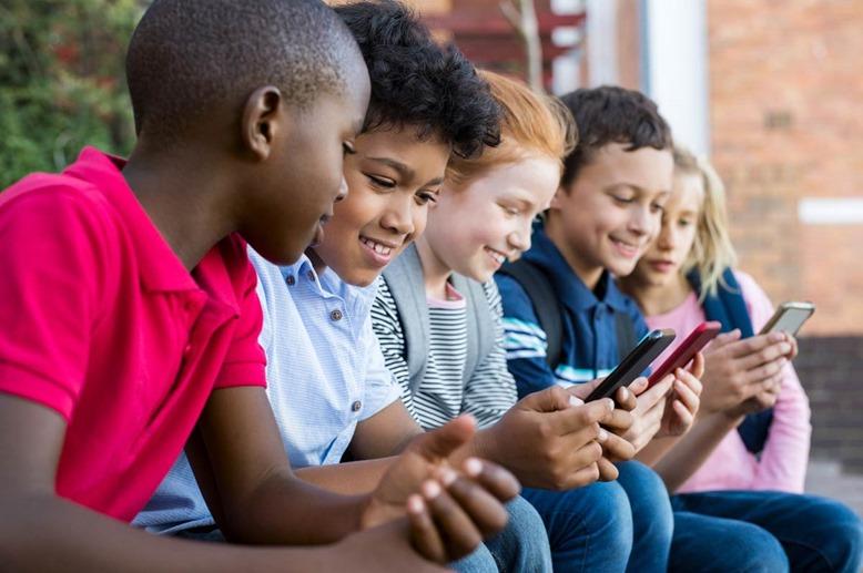 surveiller le téléphone de votre enfant